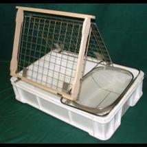 Méhészet Fedelező állvány+műanyag káddal, szűrővel